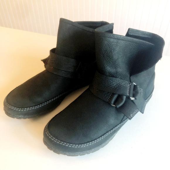 faf49bd4a1d Sorel Yaquina Short Black Leather Ankle Boots Sz 9